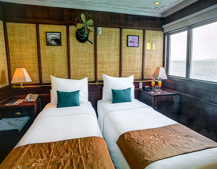 BHAYACRUISE-Twin Room