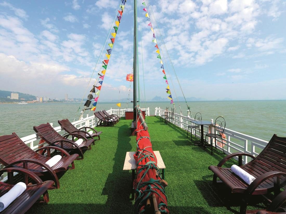 Party Halong Cruises