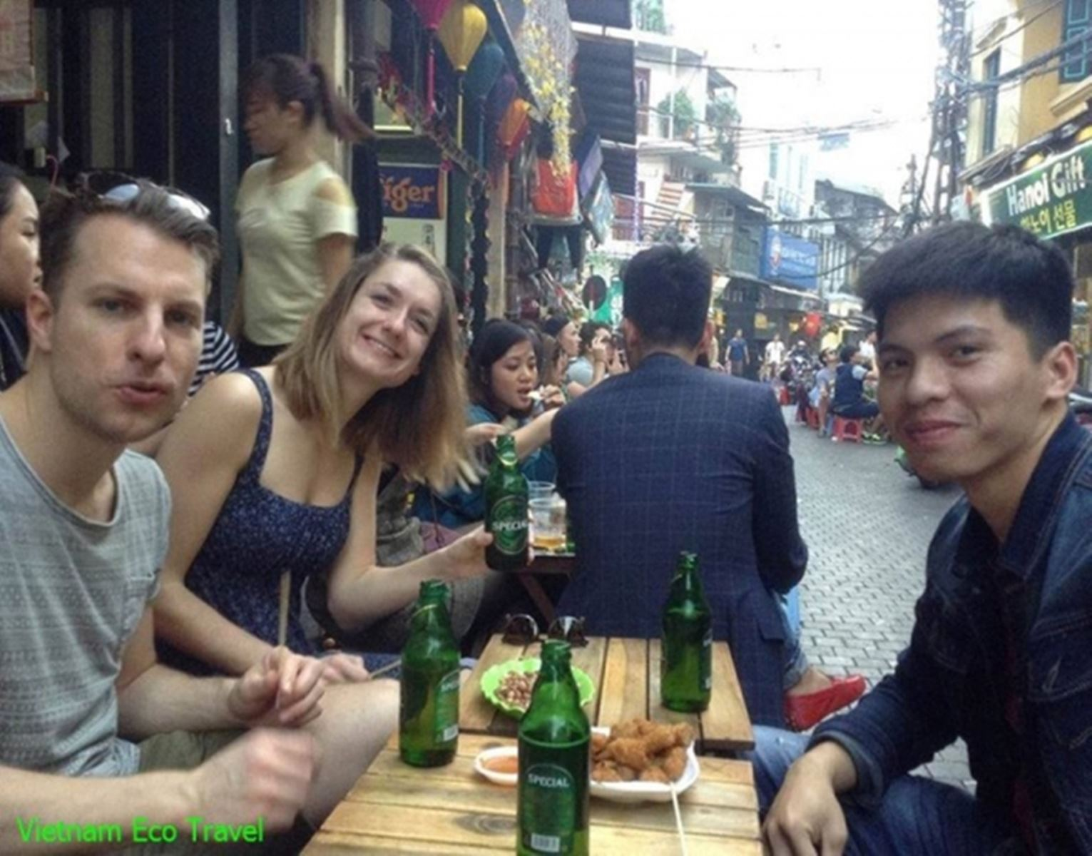 Hanoi Street Food Tour with Local Beer