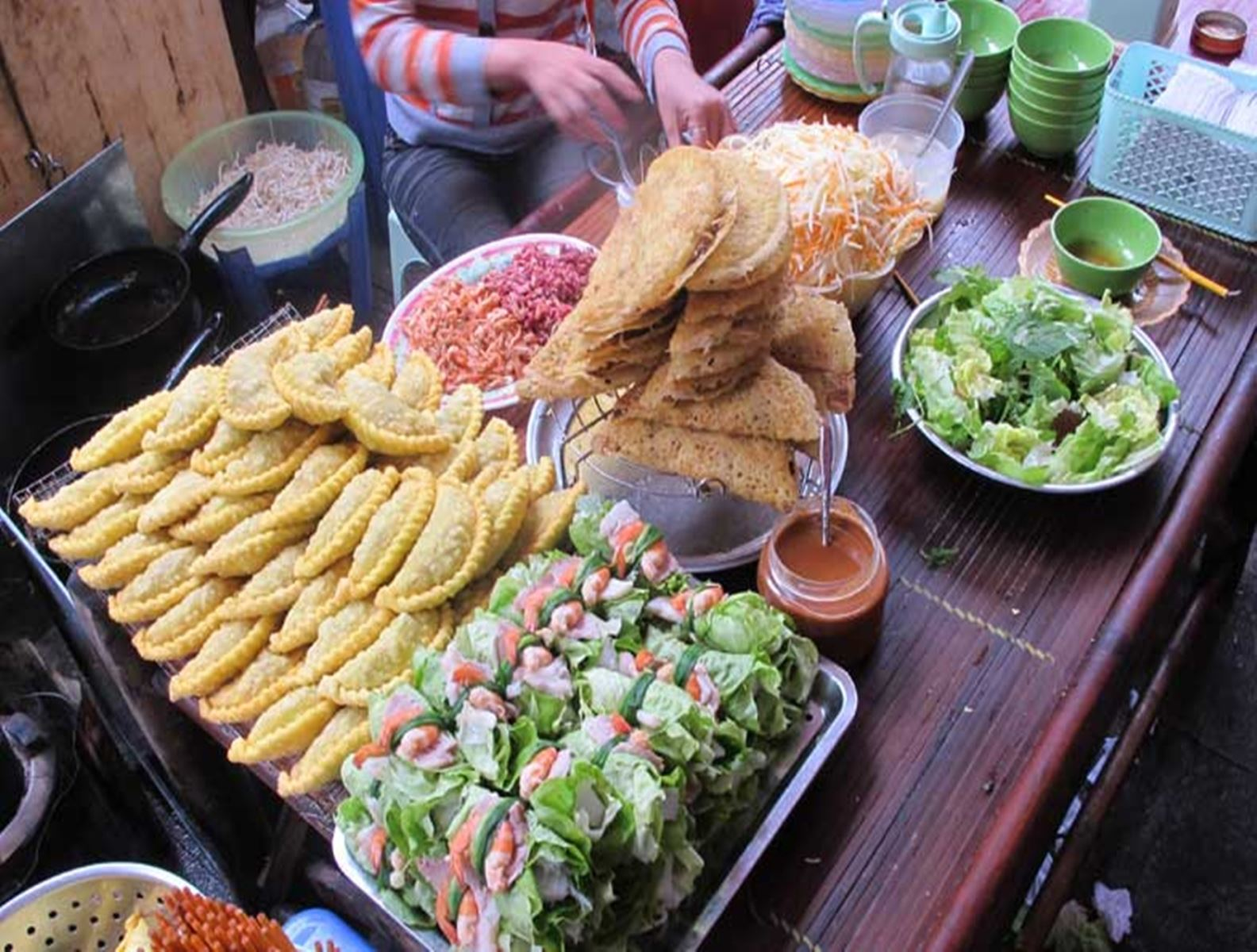 Hanoi Street Food Tour with Local Food