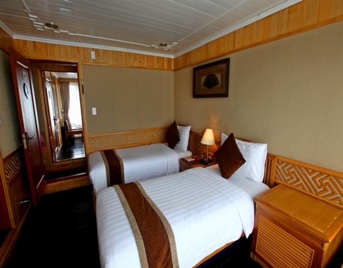 Pelican Cruise-Twin Room