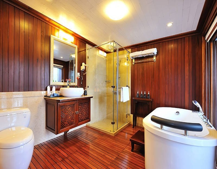 Signature Cruise-Bathroom