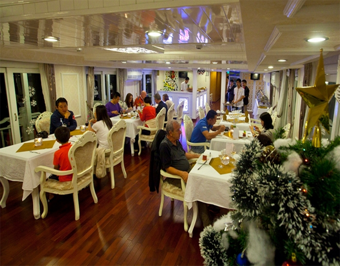 Signature Cruise-Dinning Room