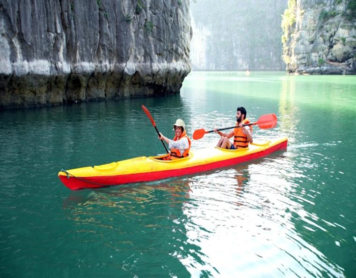 Signature Cruise-Kayaking