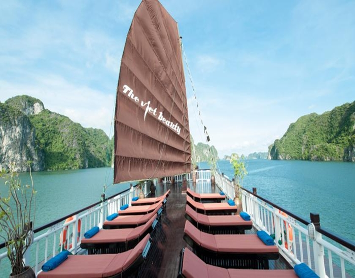 The Viet Beauty Cruise-Sundeck