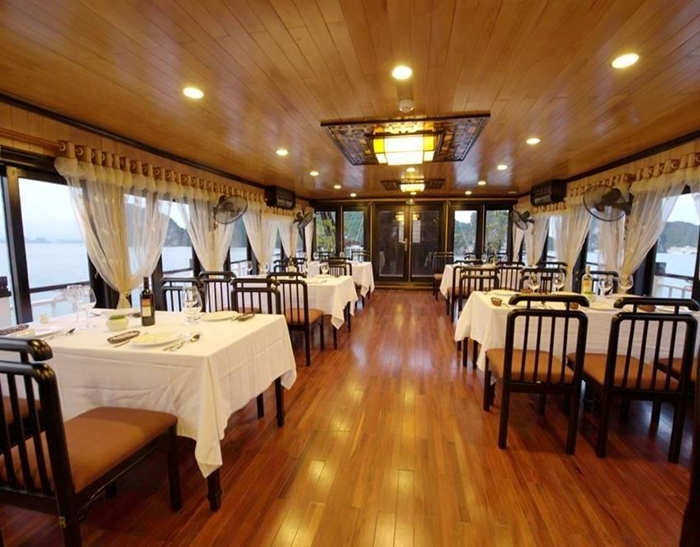The Viet Beauty Cruise-Restaurant