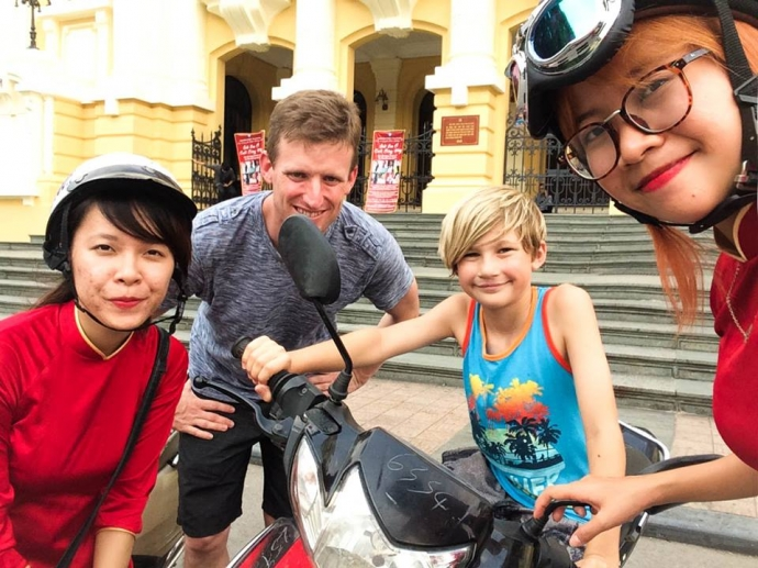 Hanoi Motorbike Tour with Germany Family