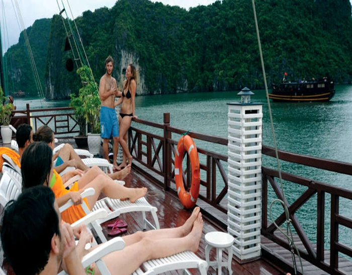 Halong Imperial Cruise-Sundeck