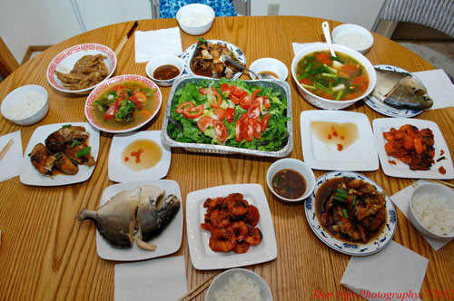 vietnam-eco-travel-hanoi-street-food