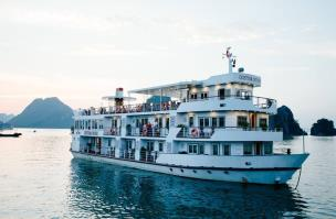 Cristina Diamon Halong Bay Cruise
