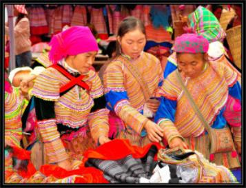 Sapa Bac Ha Market Tour By Bus