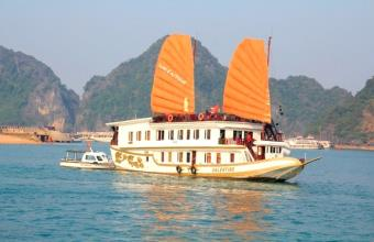 Valentine Halong Bay Cruise
